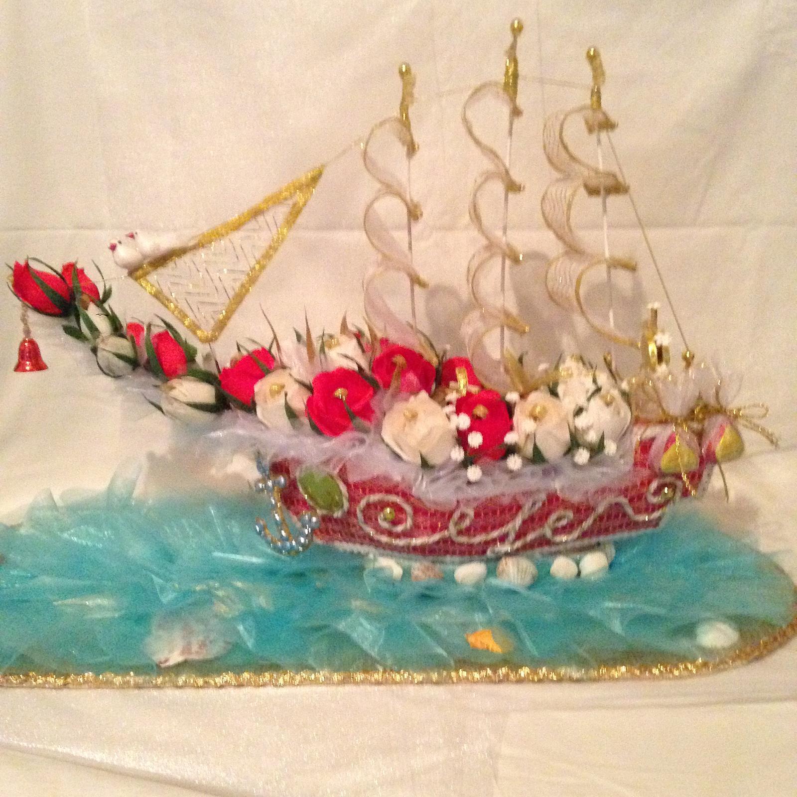Корабль свадебный из конфет своими руками 63
