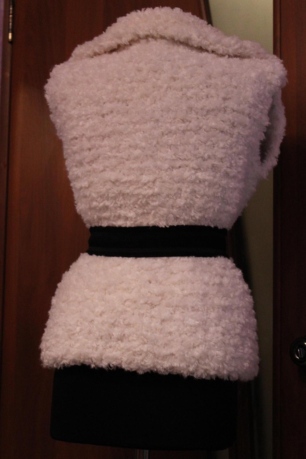 Красивая жилетка вязание спицами 160