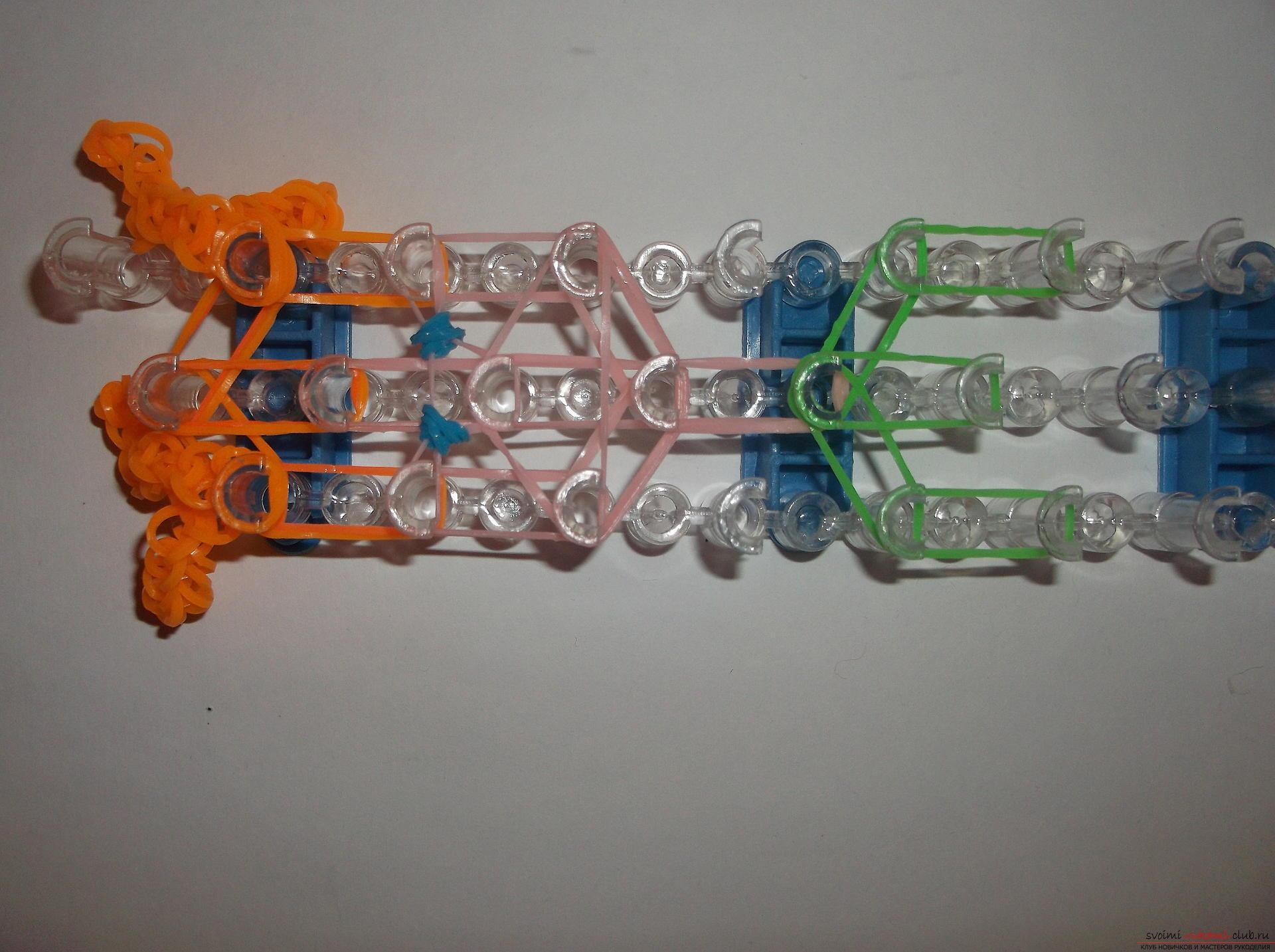 Фото к уроку по плетению из резиночек рыжеволосой девочки. Фото №13