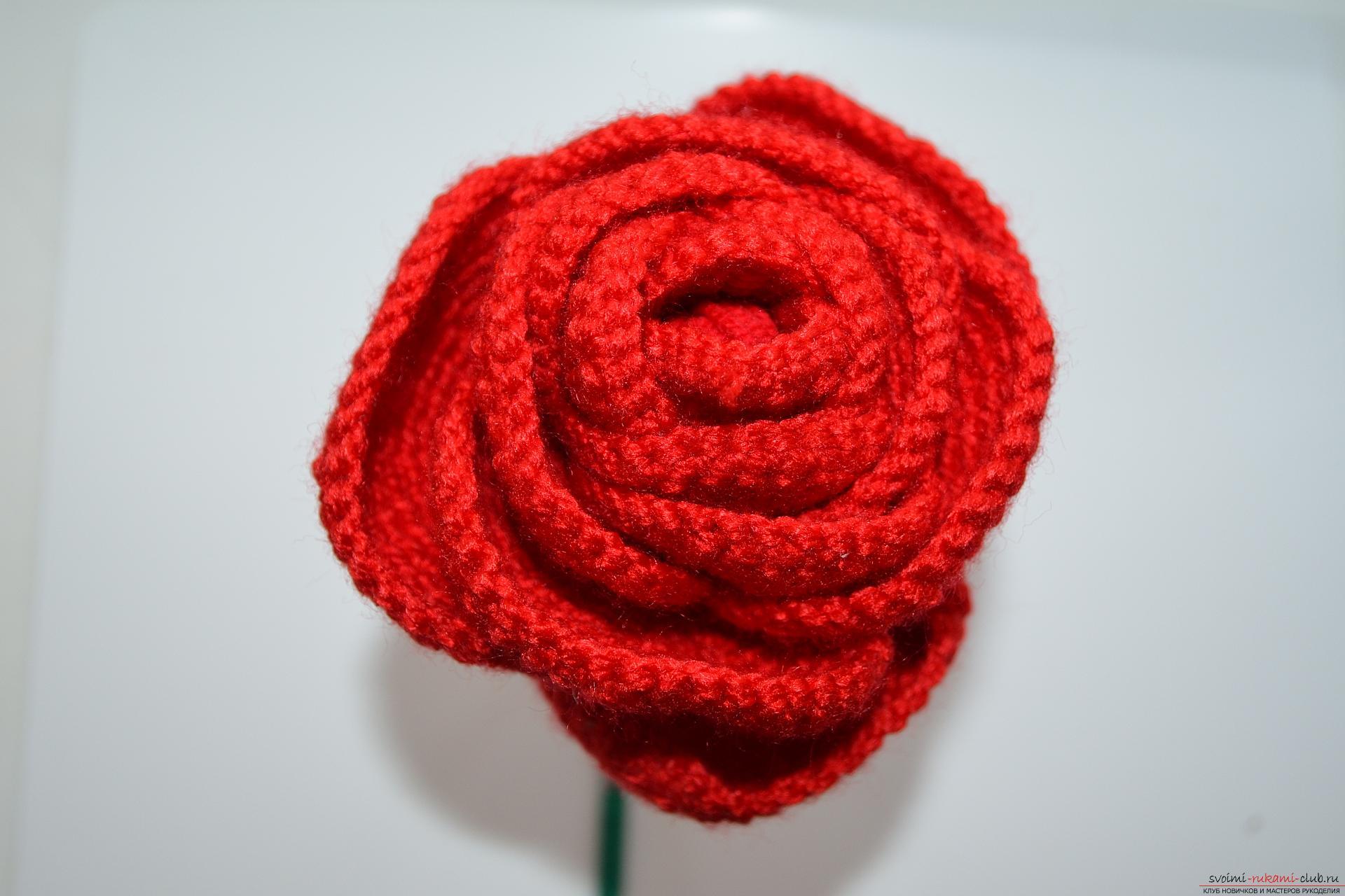 Как сделать красивую розу и бутон розы из гофрированной бумаги 55