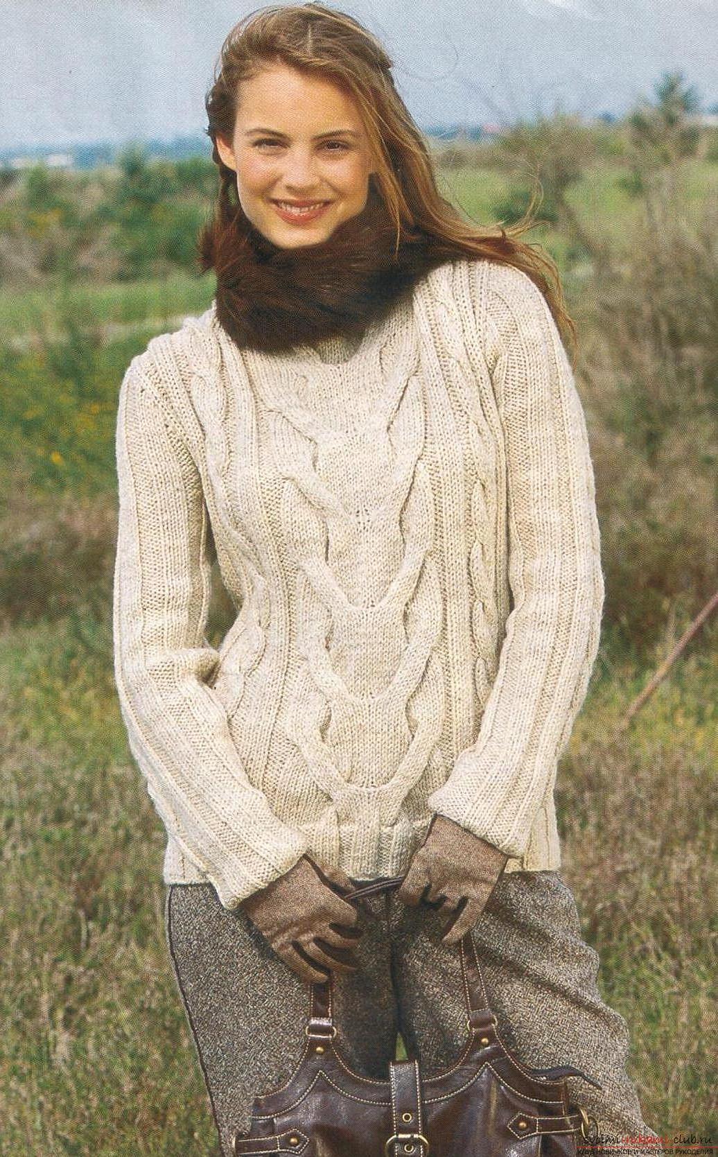 Вяжем теплый женский свитер спицами. Фото №5