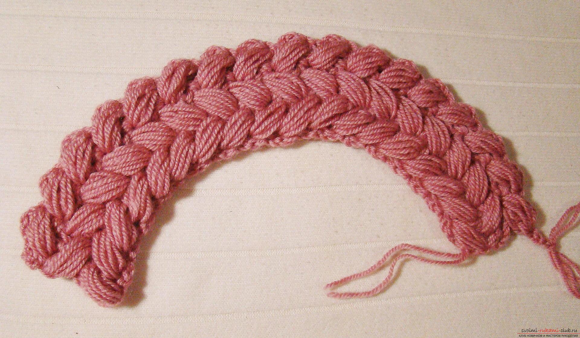 Вязание шапки плетеным узором из пышных столбиков 77