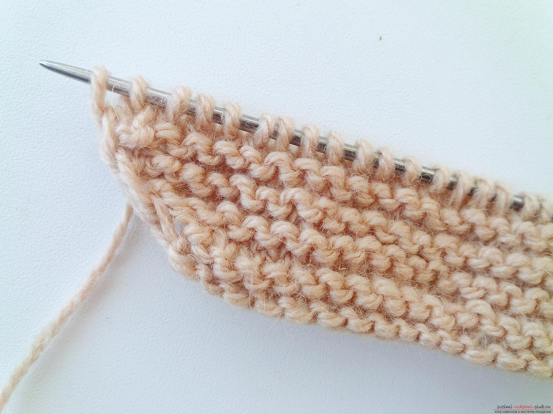 Этот подробный мастер-класс вязания шапки спицами со схемой и описанием научит как связать шапку бини.. Фото №4