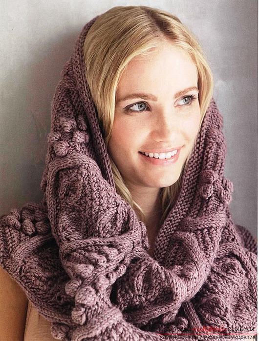 Как связать стильный и оригинальный шарф трубу спицами.</p> </div> <p> Схема вязания уникального шарфа и профессиональные советы по процессу вязания. Фото №1″/> </p> <p>Следует понимать и такой нюанс как то, что связанный самостоятельно шарф, будет всегда приятнее носить, чем аналогичное изделие, купленное в магазине.</p> <p> Делая шарф своими руками, вы сможете сами подобрать тип пряжи, ее толщину и цветовую гамму. А это означает что, делая эту работу, вы сумеете учесть все свои предпочтения.</p> <p> Так что, взвесив все за и против, начинайте работать.</p> <p><div style=