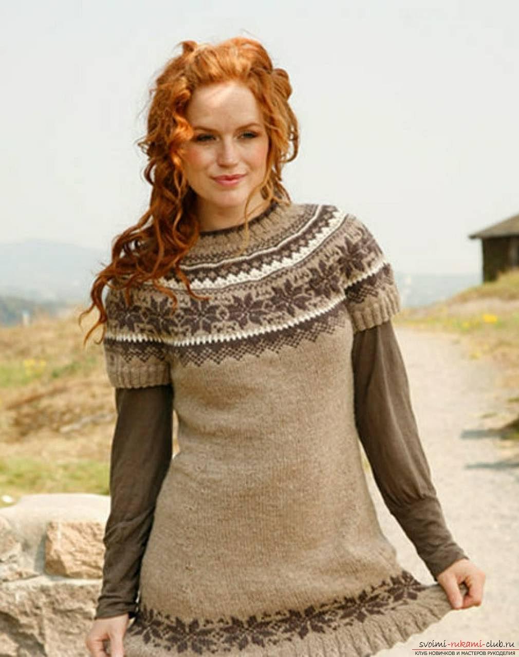 вязаный на спицах женский свитер с норвежским узором. Фото №2
