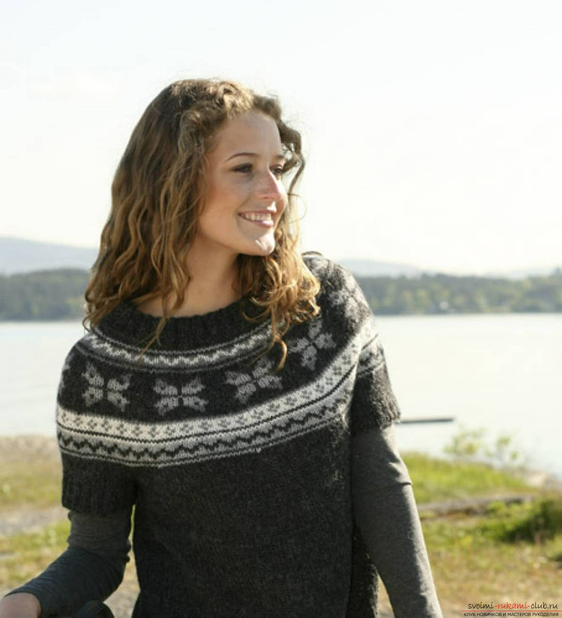вязаный на спицах женский свитер с норвежским узором. Фото №3