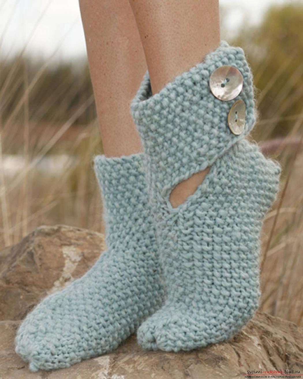 вязаные на спицах женские носки. Фото №3