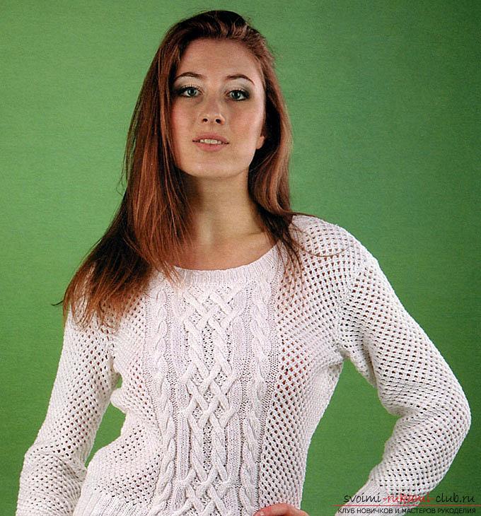 Прекрасный вязаный спицами ажурный пуловер белого цвета с необычными узорами из жгутов, будет чудесным составляющим вашего зимнего гардероба.</p> </div> <p> Схема вязания ажурного пуловера со жгутами своими руками понравится не только опытным мастерицам, но и начинающим рукодельницам. Фото №1″/> </strong></p> <p>В данной статье мы расскажем, как связать спицами белый ажурный пуловер, обрамленный интересной игрой затейливых плетений из жгутов и кос и игрой мелкого узора.</p> <p><strong>Итак, вам потребуется</strong>: пряжа марки Лира из 50% натурального хлопка и 50% акрила ( плотность 150 м/50 г) белого цвета, спицы прямые №2,5 и №3 и круговые № 2,5.</p> <p><div style=