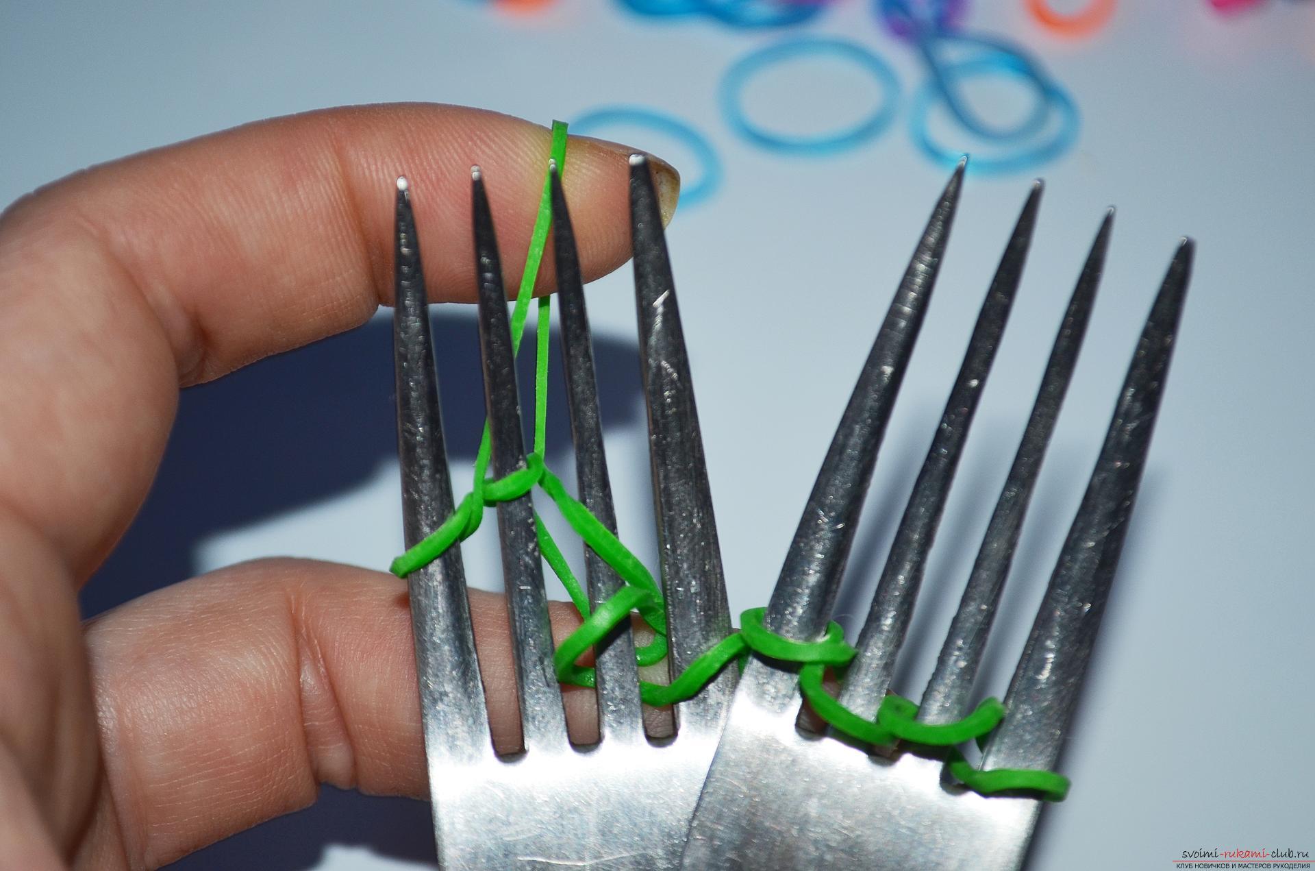 Как сплести широкий браслет на вилках «Радуга»? Описание техники плетения, пошаговое руководство и фотографии