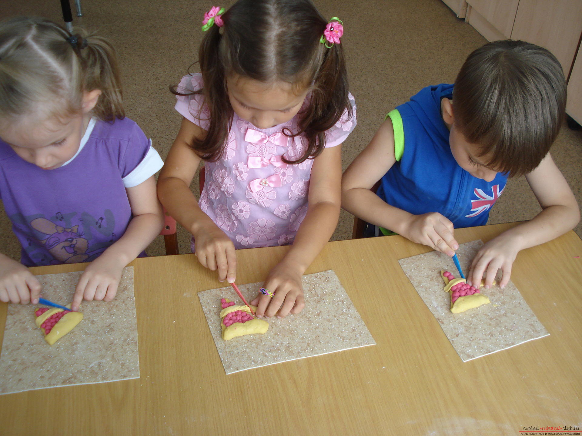 Поделки из цветного теста с детьми