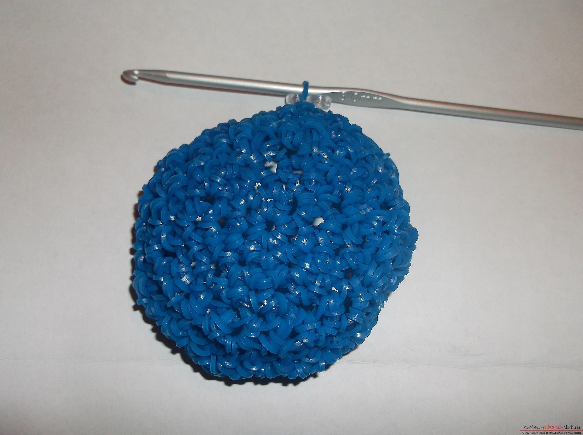 Фото к уроку по плетению забавного совенка из резиночек. Фото №7