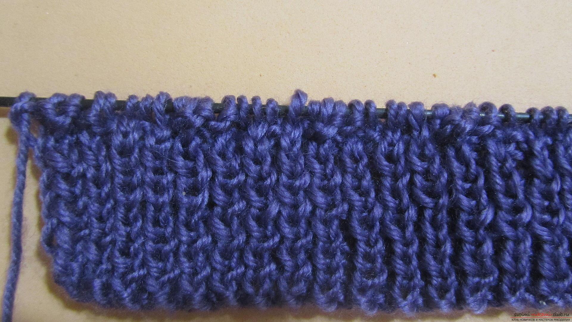 Подробный мастер-класс с фото покажет как вязать самой носки на двух спицах – спиральные носки.. Фото №4