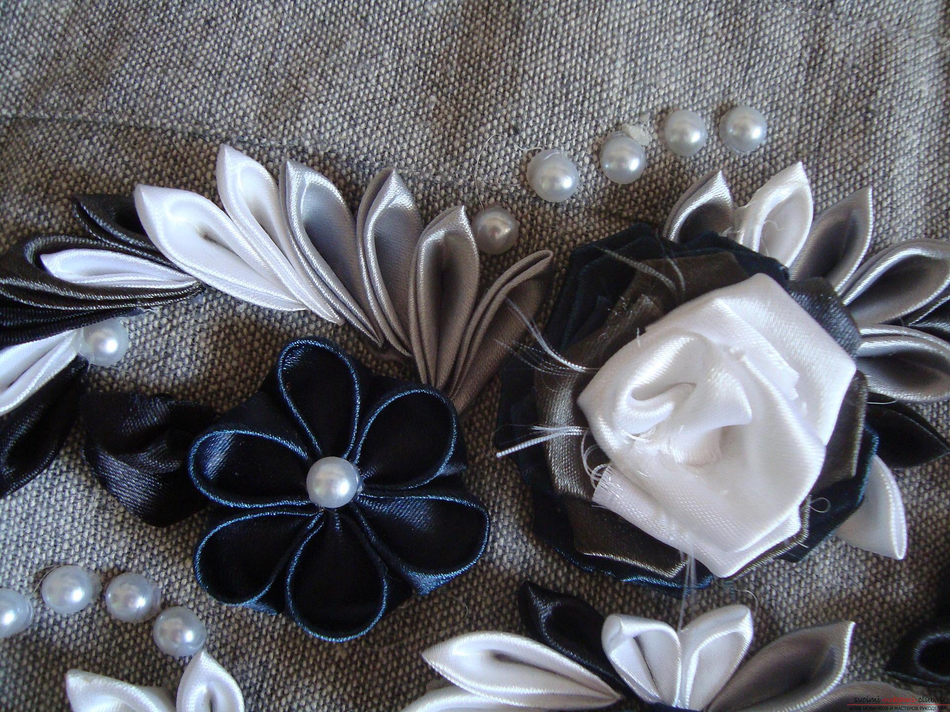 Урок по созданию оригинальной летней сумки, украшенной цветами в технике канзаши