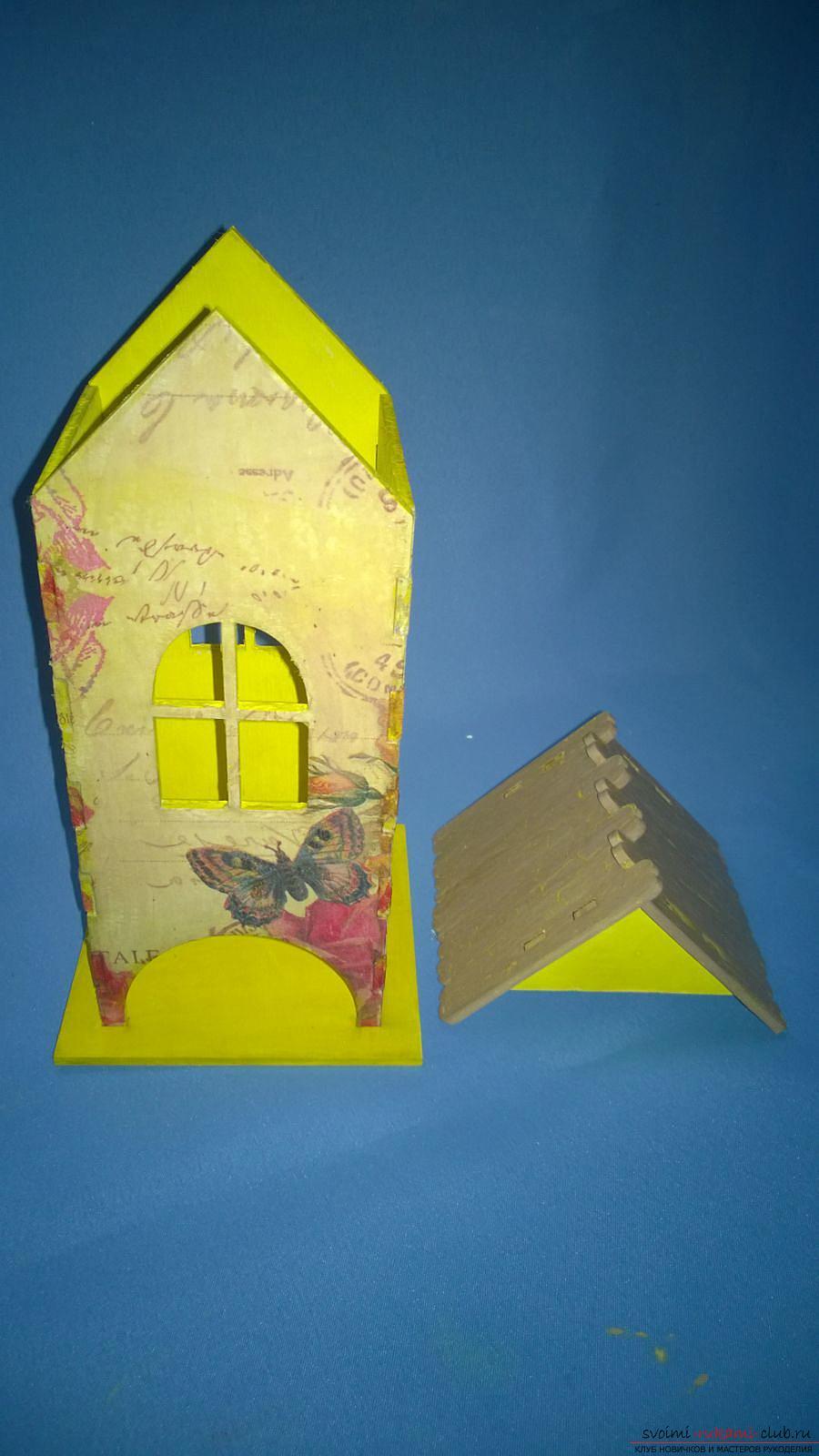 Мастер-класс научит как декорировать оригинальный чайный домик, используя декупаж. Фото №15
