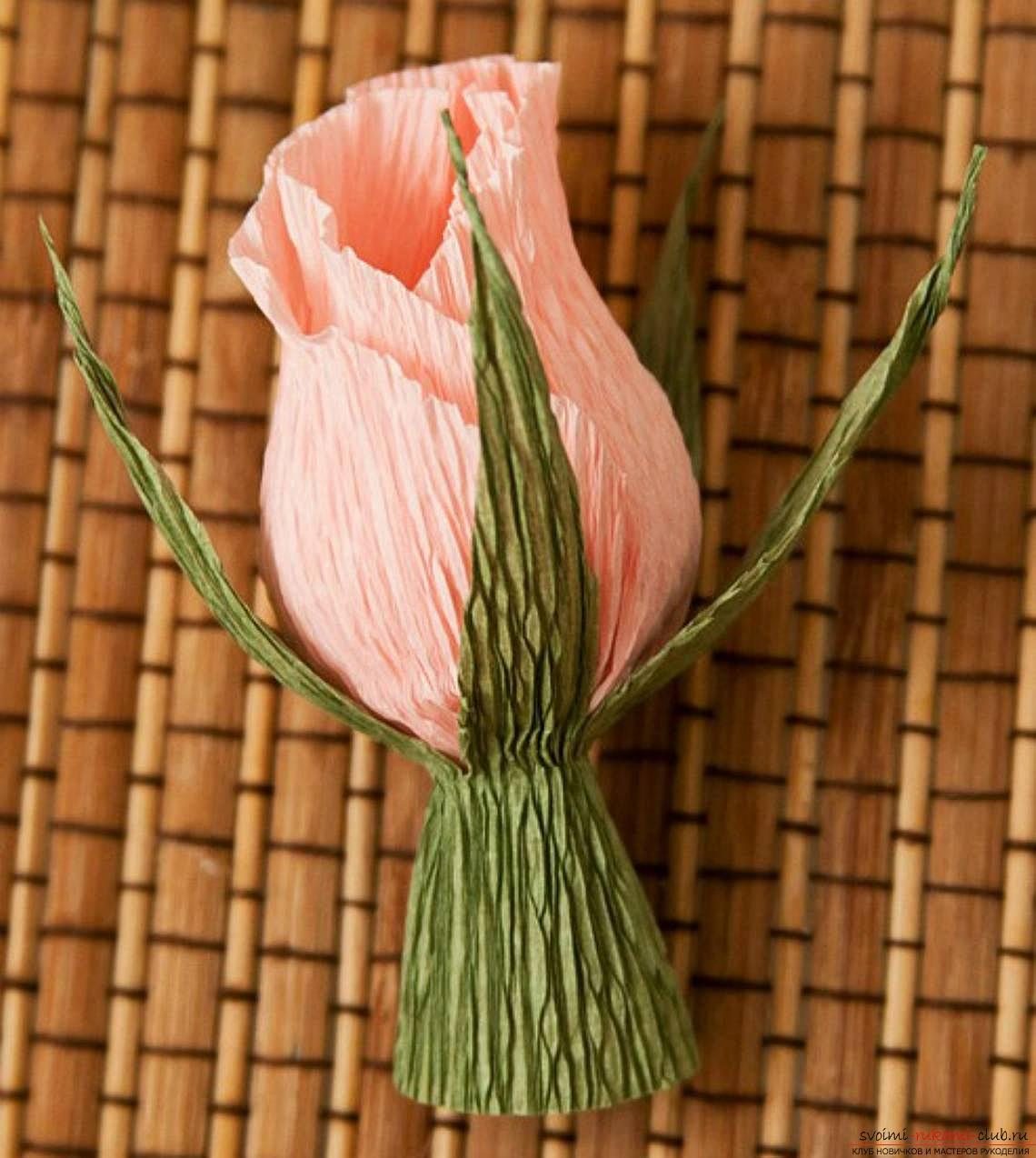 Цветок роза из конфет