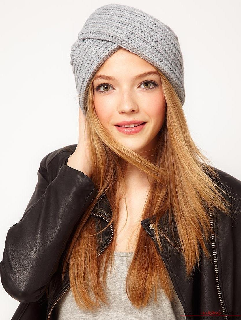 Вязаная спицами зимняя шерстяная шапка для женщин