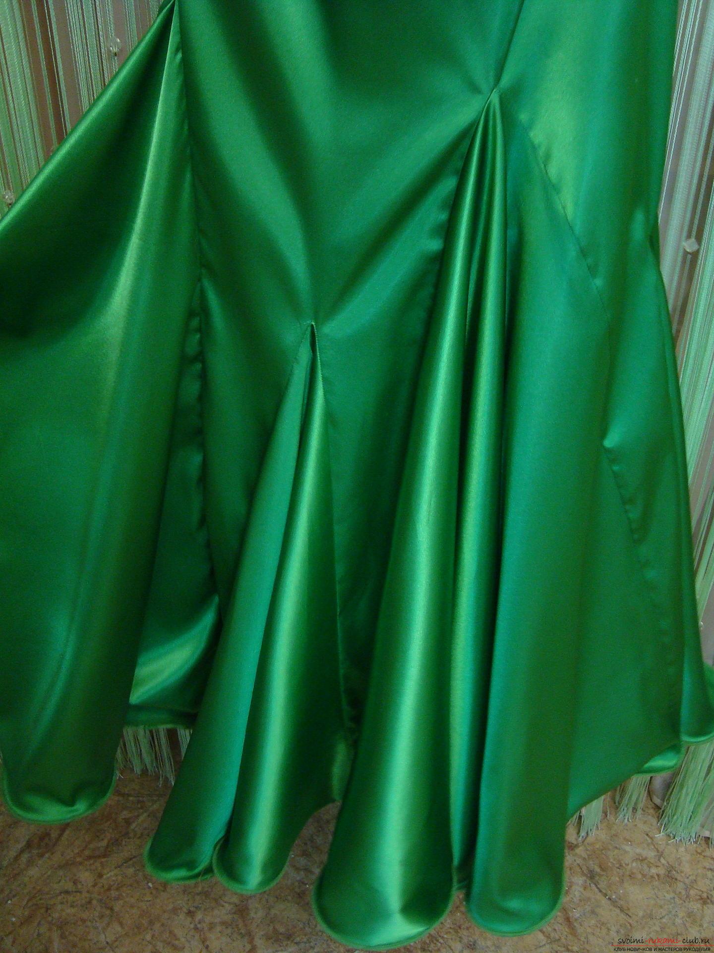 Красивое платье можно пошить в домашних условиях, используя выкройку и схему.. Фото №5