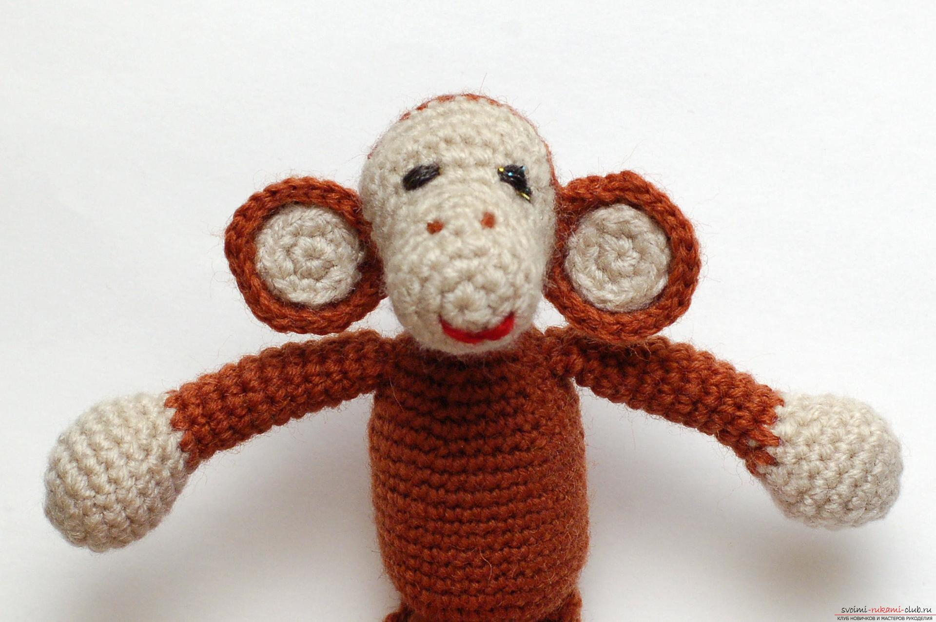 Фото вязаных обезьян крючком