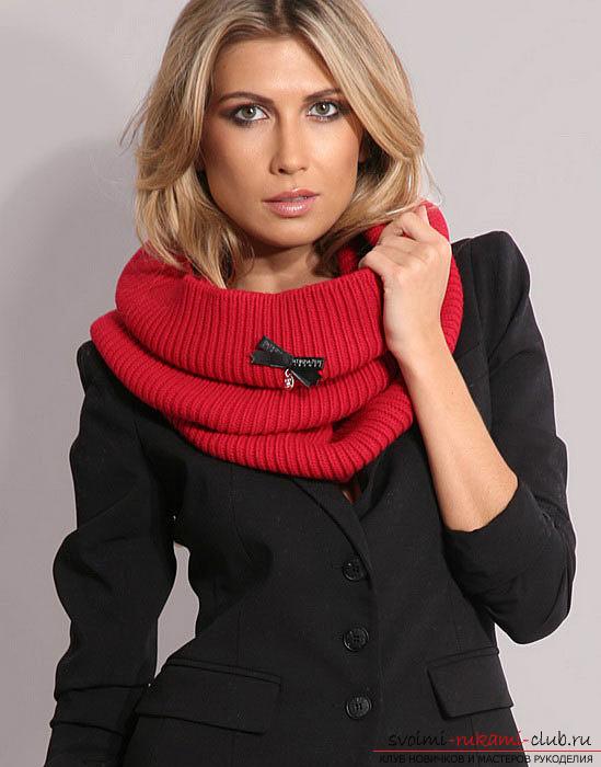 вязаный спицами шарф для женщин. Фото №5