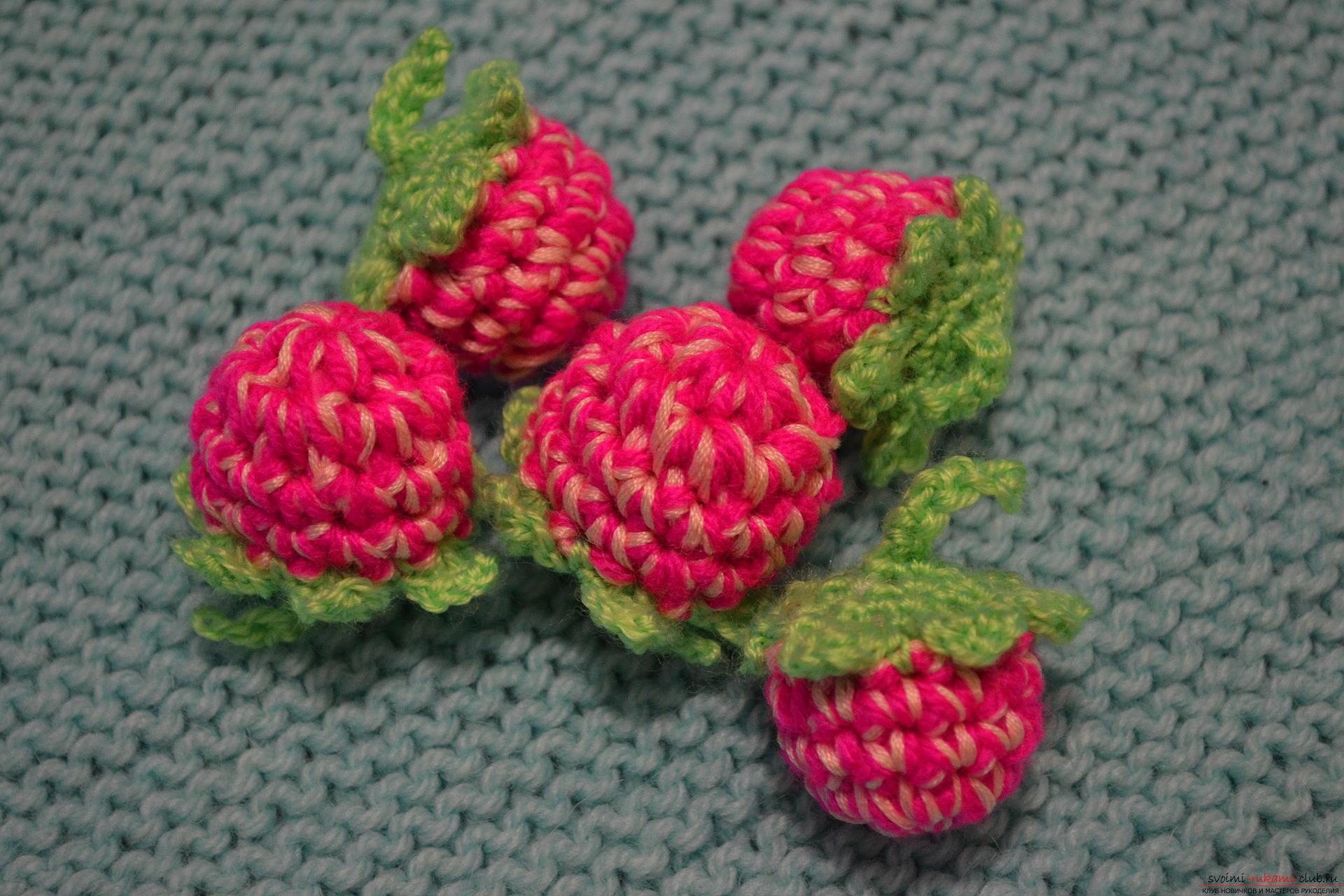 Вязаные фрукты и ягоды крючком: яблоко, груша и ягодки малины