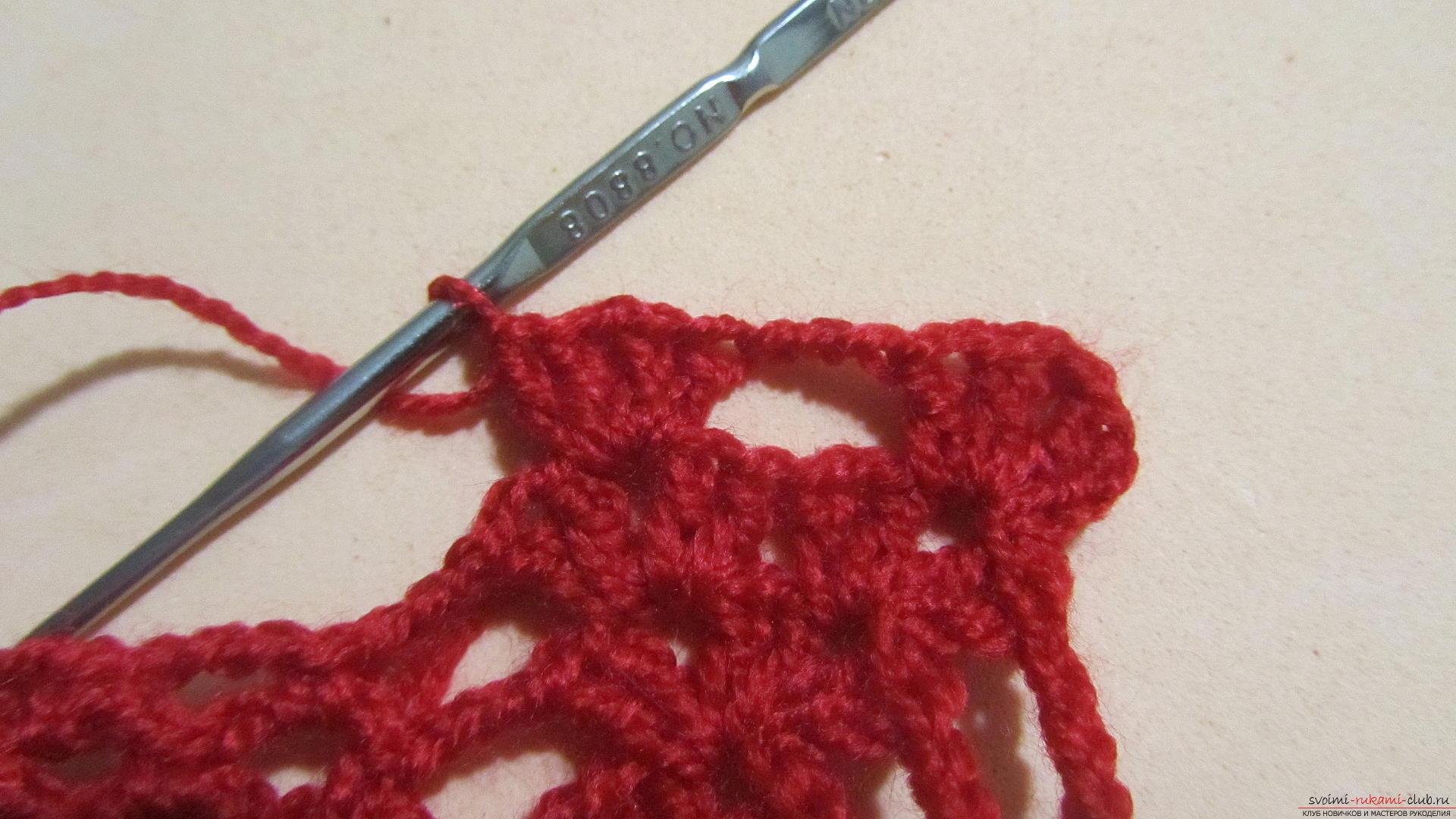 Одежду для мягких игрушек можно связать крючком своими руками, будем одевать игрушечную обезьянку.. Фото №24