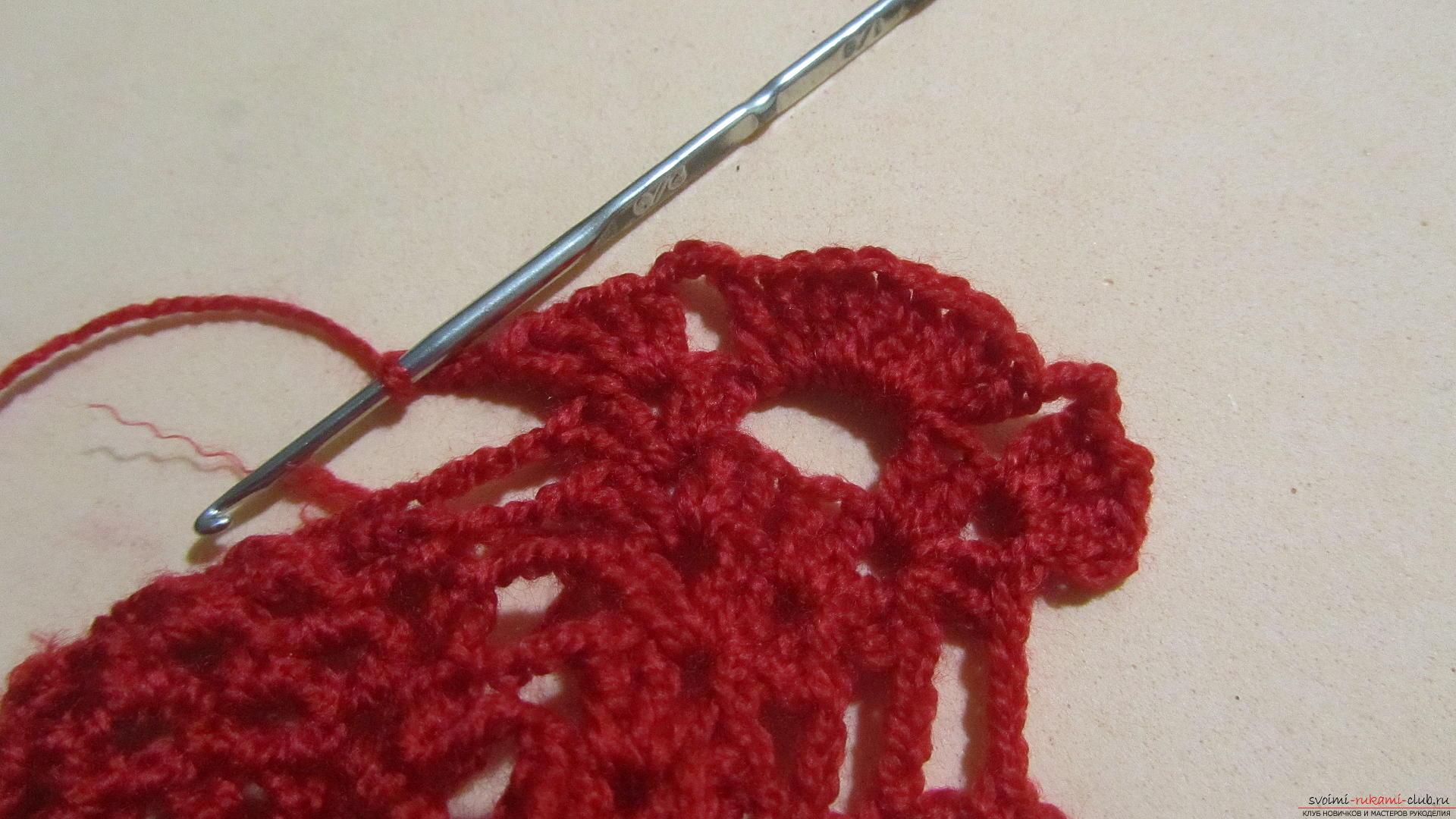 Одежду для мягких игрушек можно связать крючком своими руками, будем одевать игрушечную обезьянку.. Фото №28