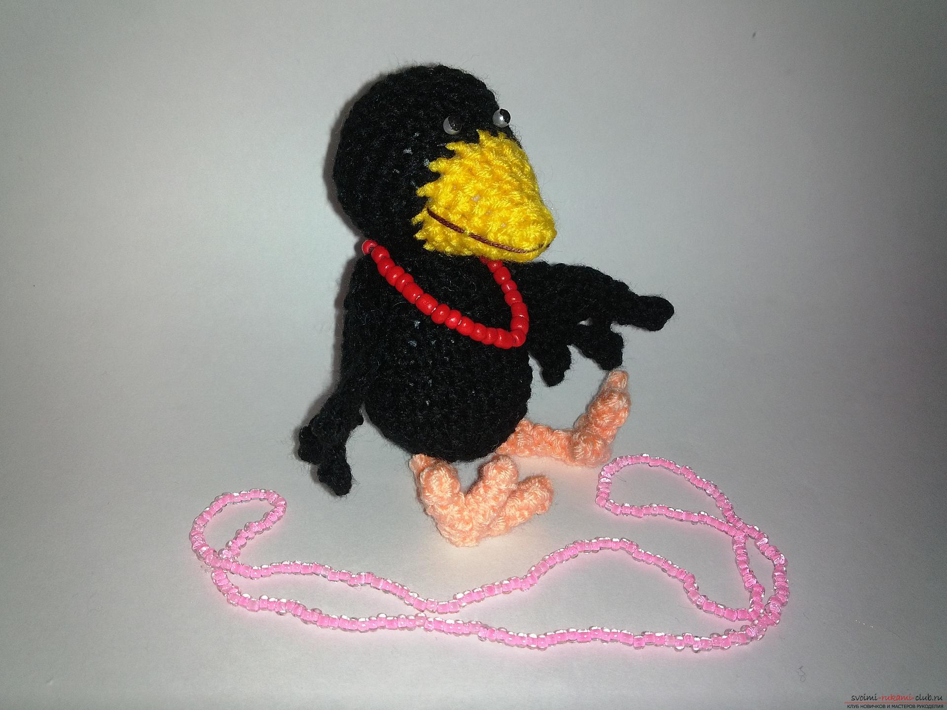 Этот мастер-класс вязаных игрушек научит как создать крючком игрушку - ворону. Фото №1