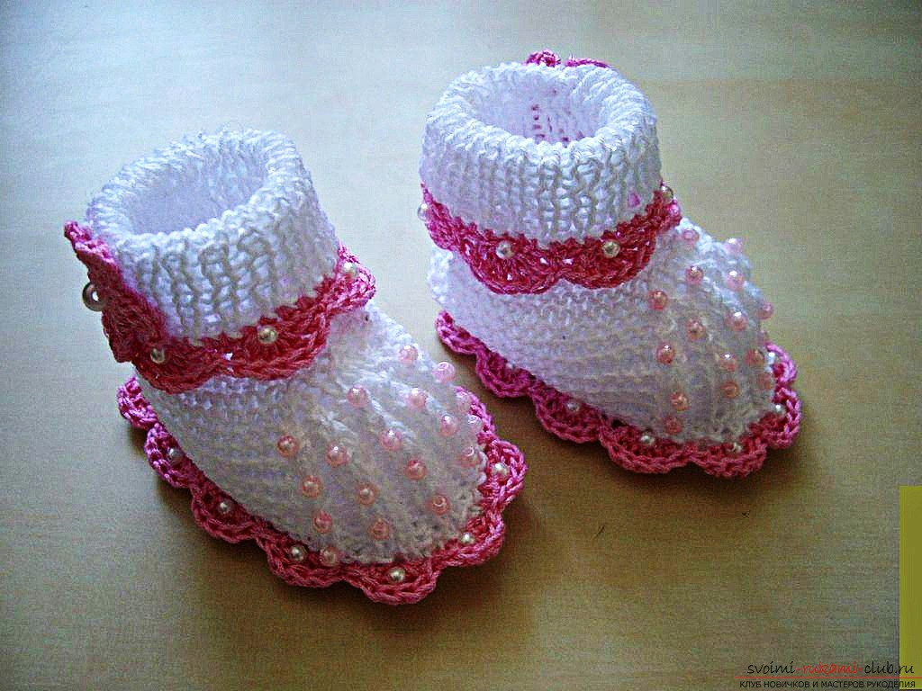 вязаные спицами пинетки-собачки для ребенка. Фото №4