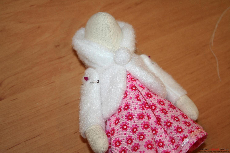 Сделать новогоднюю куклу своими руками