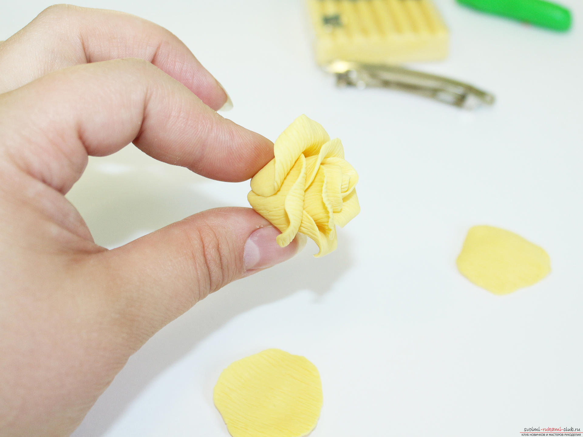 Как сделать из полимерной глины растяжки