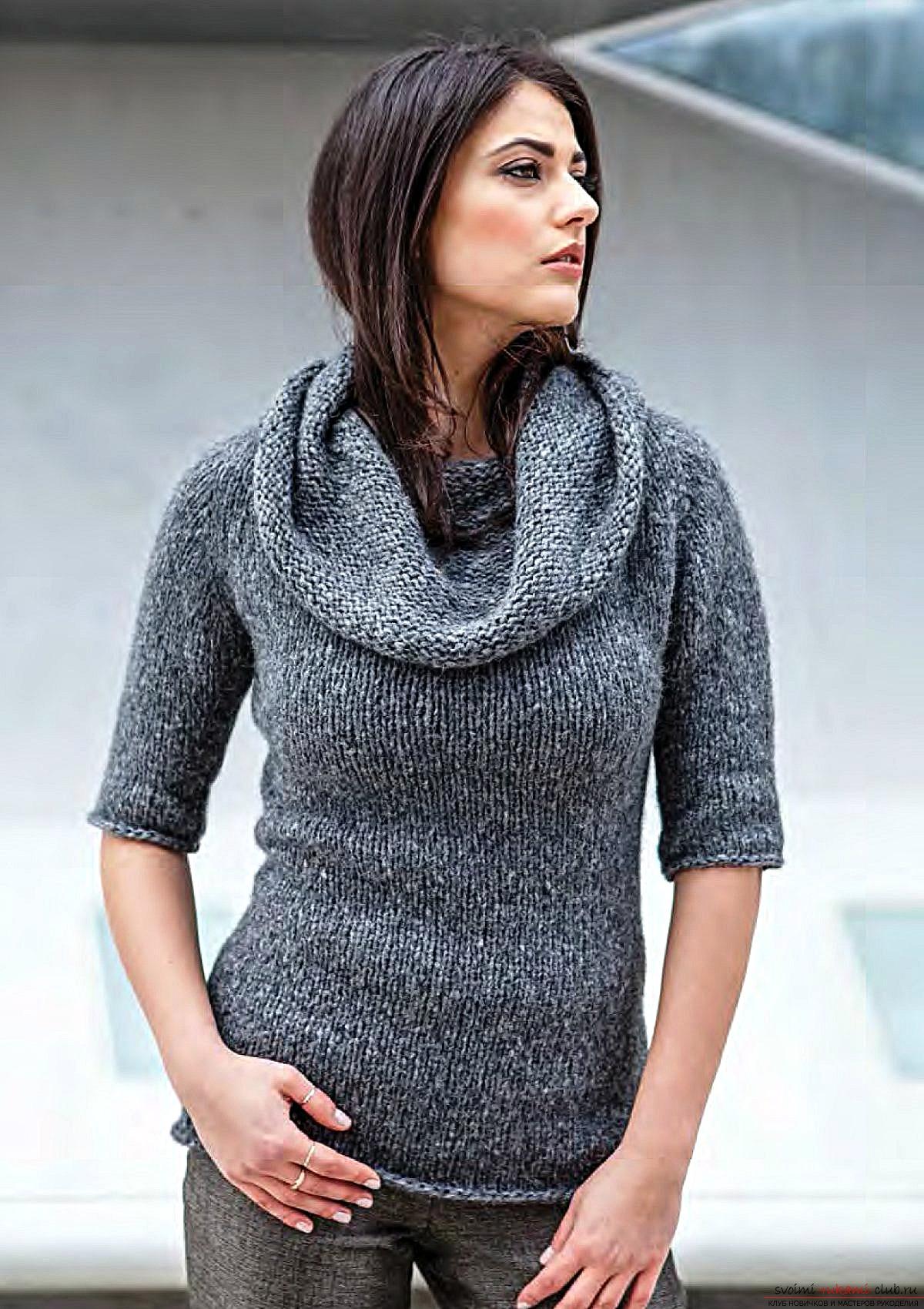 вязаный спицами свитер в ирландском стиле с интересным узором. Фото №7