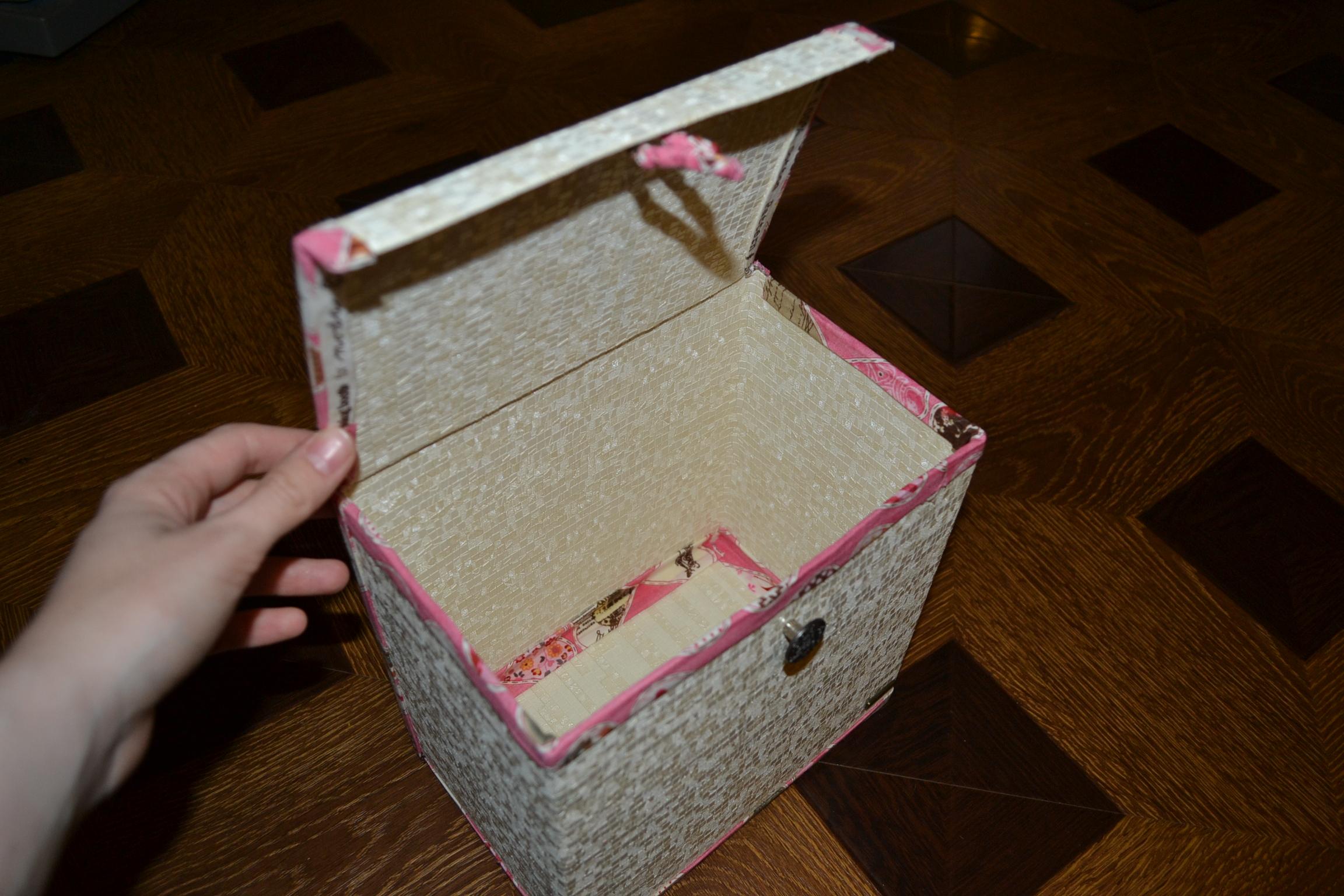 Как сделать шкатулку из ненужных вещей своими руками 44